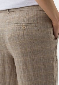 BRAX - STYLE MAINE - Trousers - sand - 4