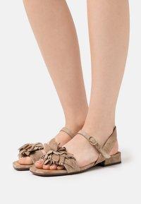 Chie Mihara - TADUL - Sandals - zeus sand - 0