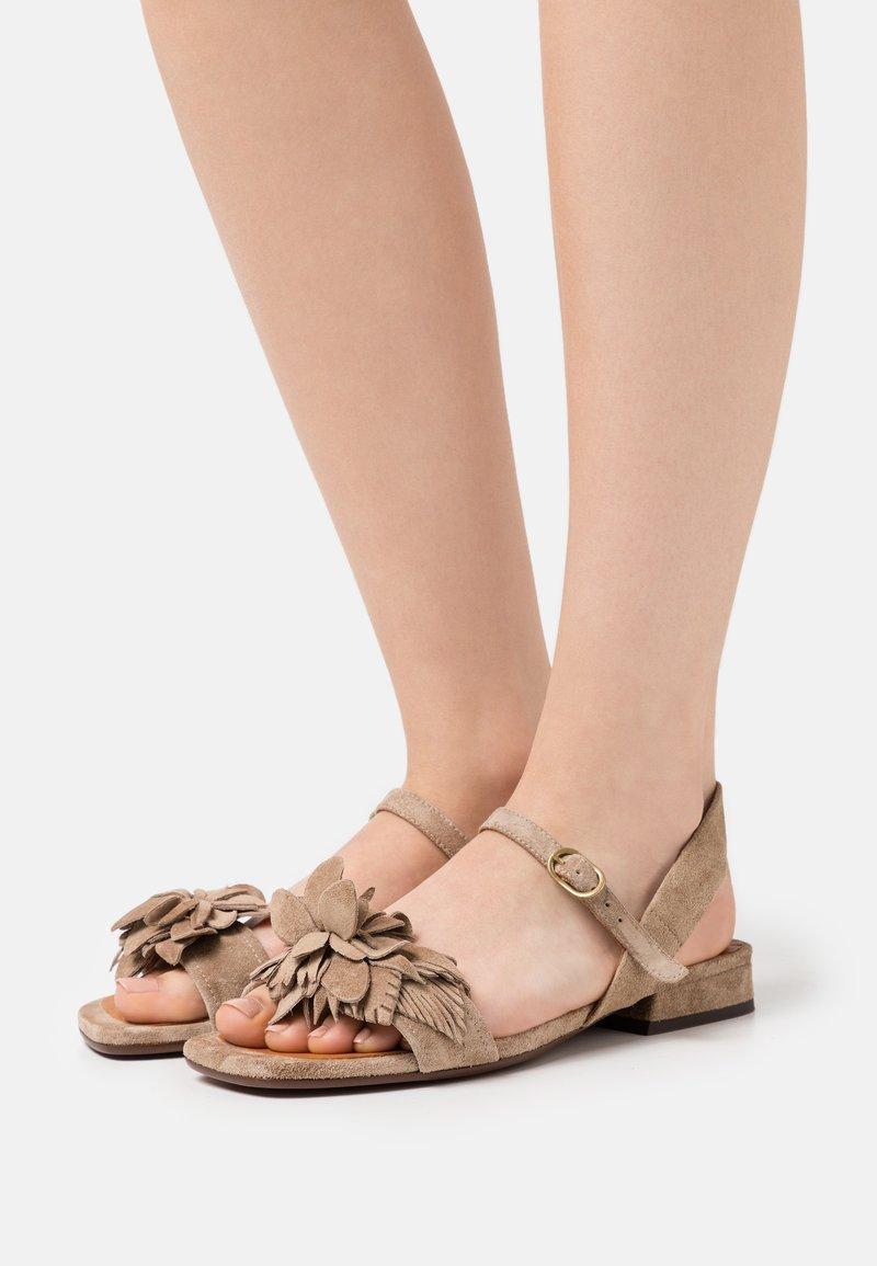 Chie Mihara - TADUL - Sandals - zeus sand