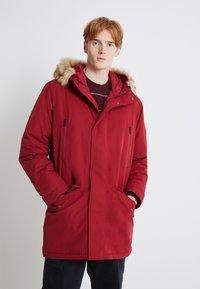 Levi's® - WOODSIDE LONG UTILITY  - Winter coat - biking red - 0