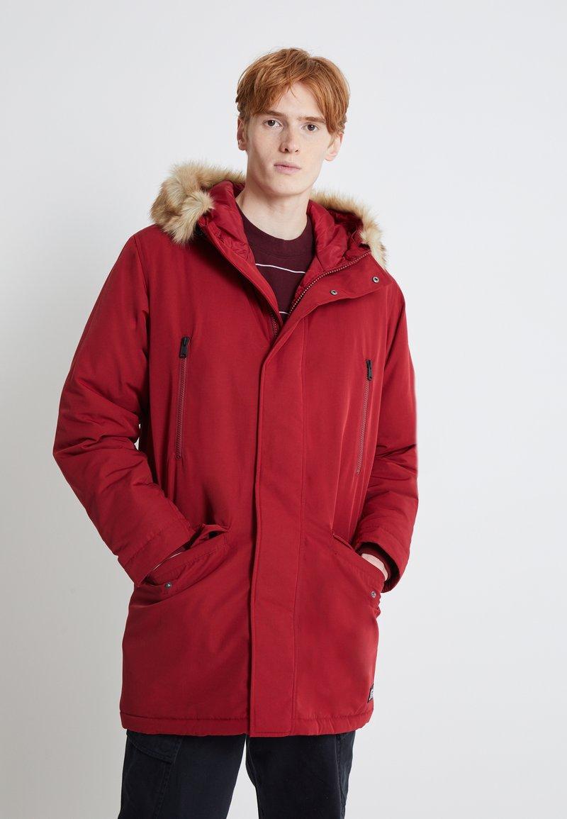 Levi's® - WOODSIDE LONG UTILITY  - Winter coat - biking red