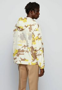 BOSS - Windbreaker - yellow - 2