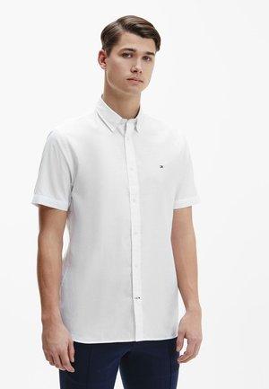 GRID DOBBY - Shirt - optic white