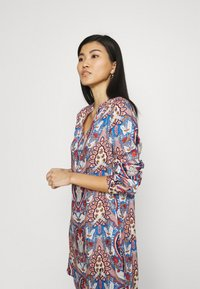Emily van den Bergh - Shirt dress - multicolour - 4