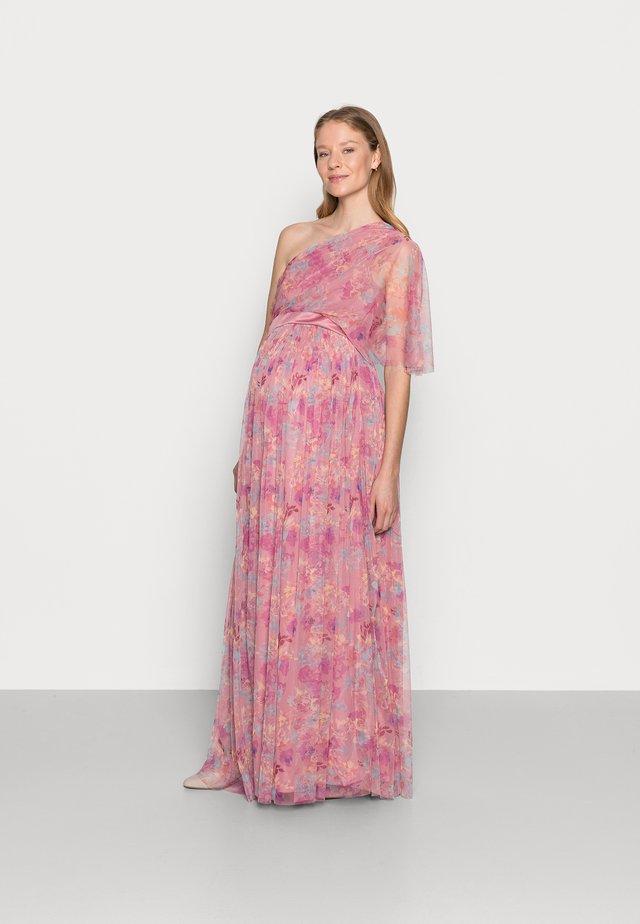 ONE SHOULDER DRESS WITH FLUTTER SLEEVE - Korte jurk - pink