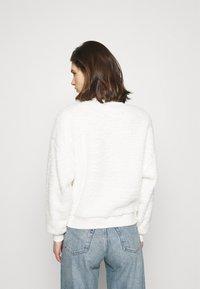GAP - SHERPA CREW - Sweatshirt - milk - 2