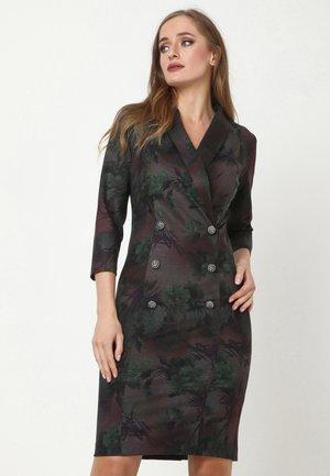 KONTATA - Shift dress - grün, pflaume