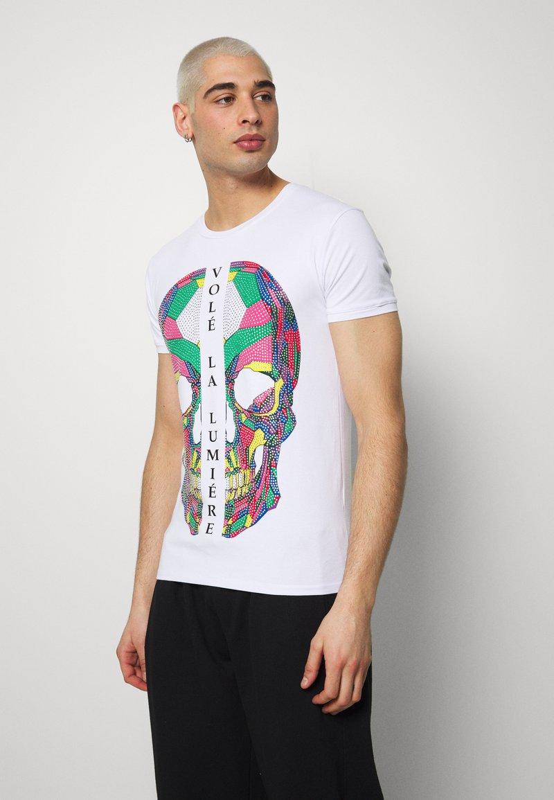 Volé la lumière - RHINESTONE SKULL - Print T-shirt - white