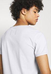 Tigha - WREN - Basic T-shirt - concrete grey - 3