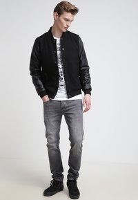 Urban Classics - OLDSCHOOL COLLEGE - Light jacket - black - 1