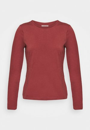 Long sleeved top - red