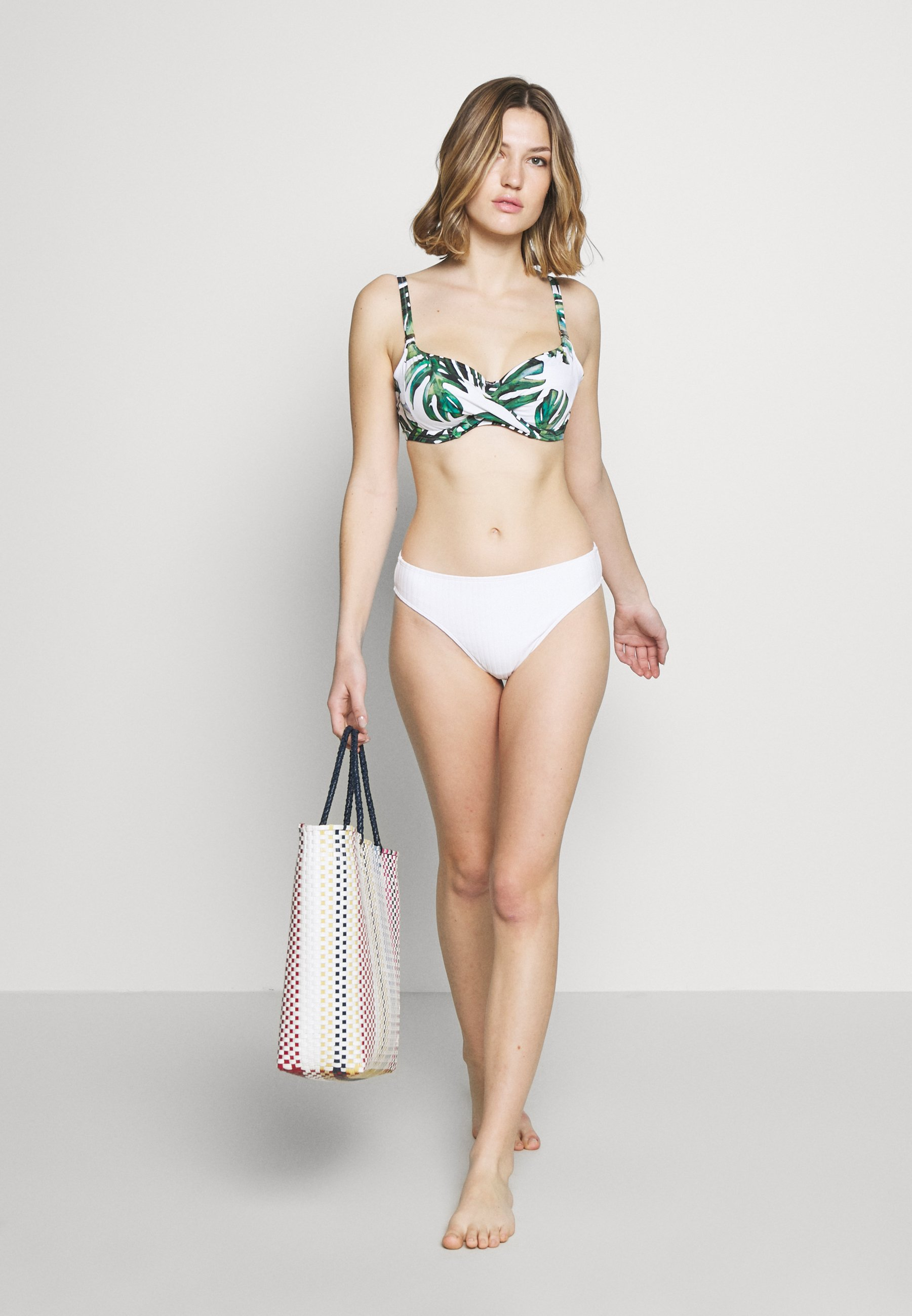 Damer PALM VALLEY WRAP FRONT FULL CUP - Bikinitoppe