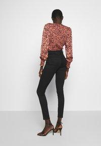 Vero Moda Tall - VMSOPHIA ANKLE ZIP - Jeans Skinny Fit - black - 2
