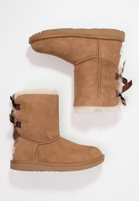 UGG - BAILEY BOW II - Lace-up ankle boots - chestnut - 1
