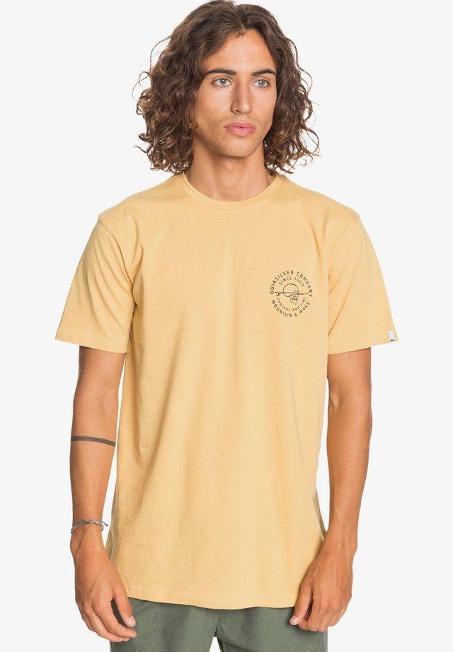 Print T-shirt - fall leaf