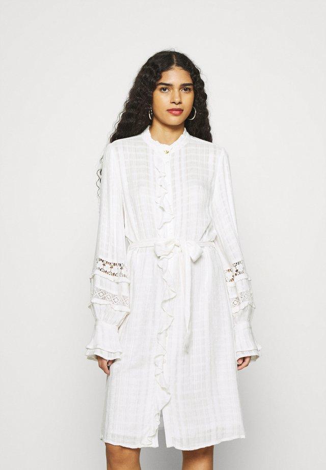 LEO DRESS - Sukienka koszulowa - cream white