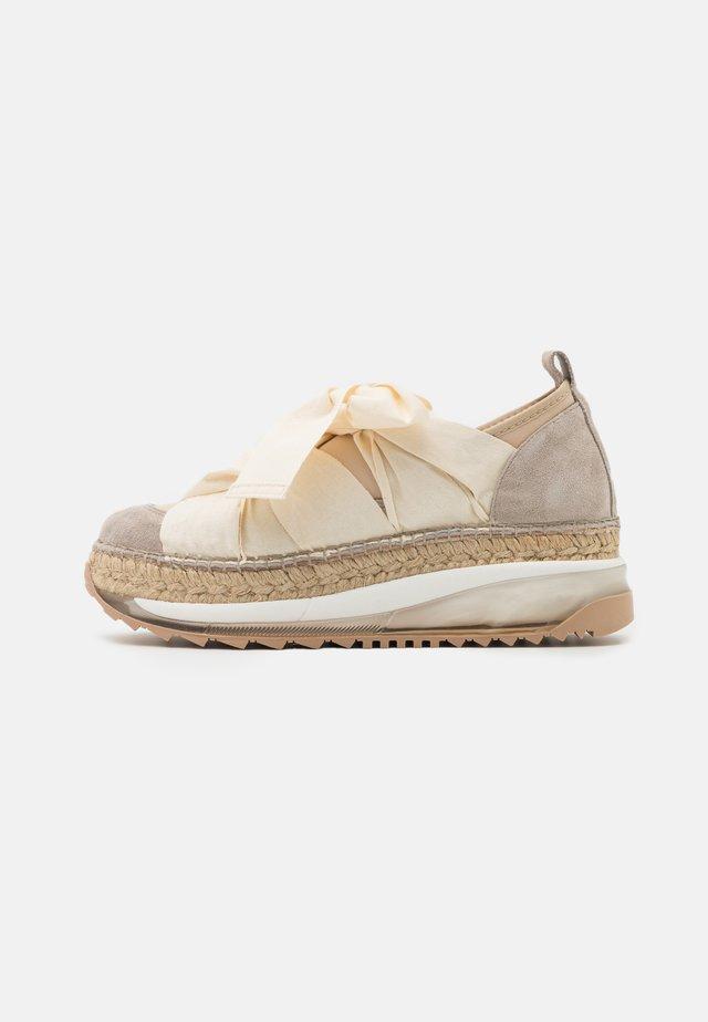 VENUS - Zapatos con cordones - tricot doble beig