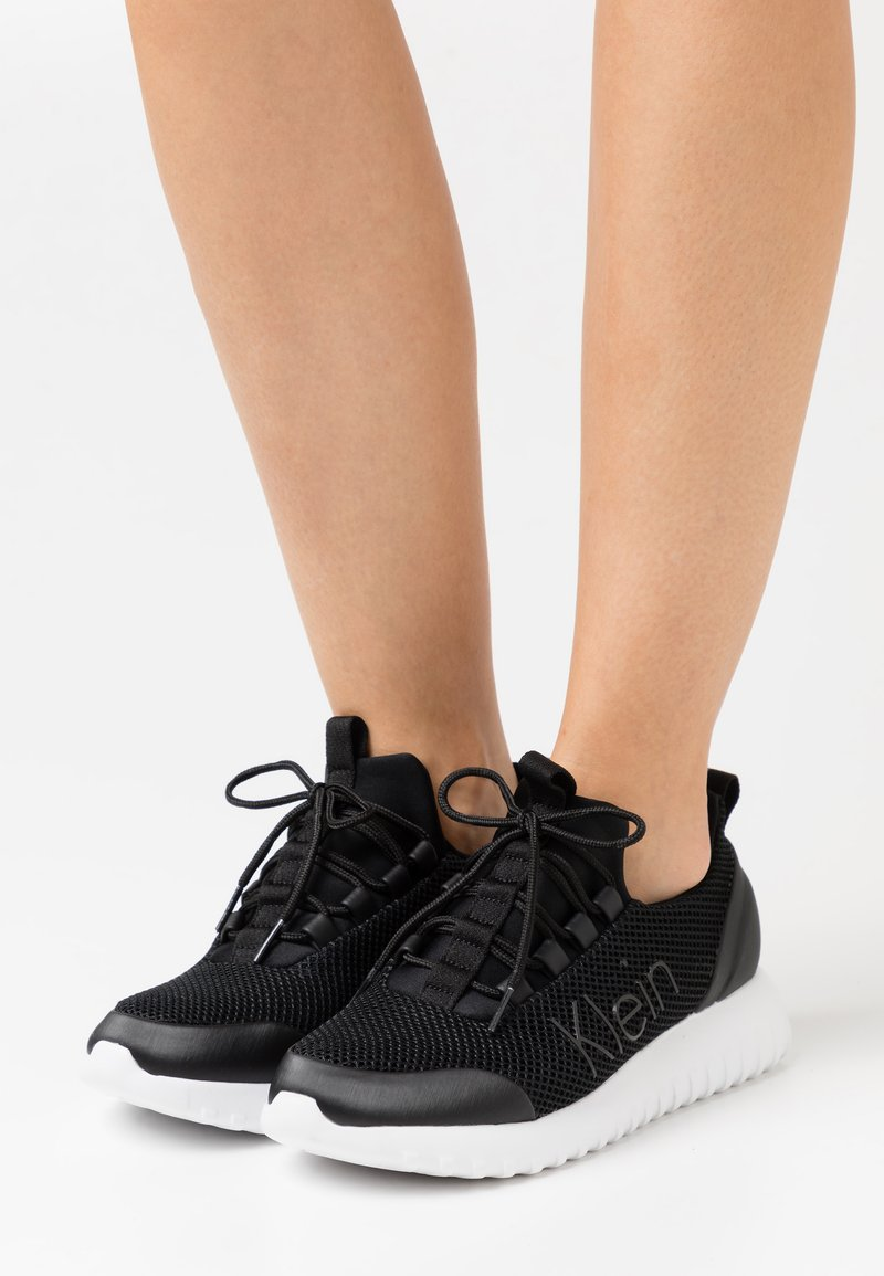 Calvin Klein Jeans - RUNNER LACEUP  - Trainers - black