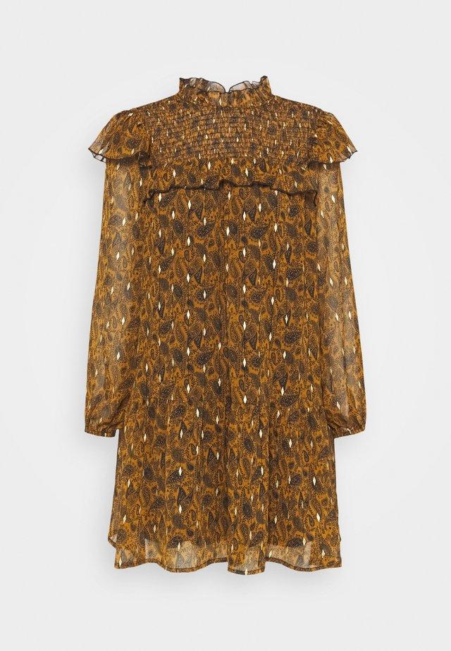 OBJVIOLETTA DRESS - Korte jurk - honey ginger