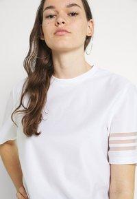 adidas Originals - Basic T-shirt - white - 3