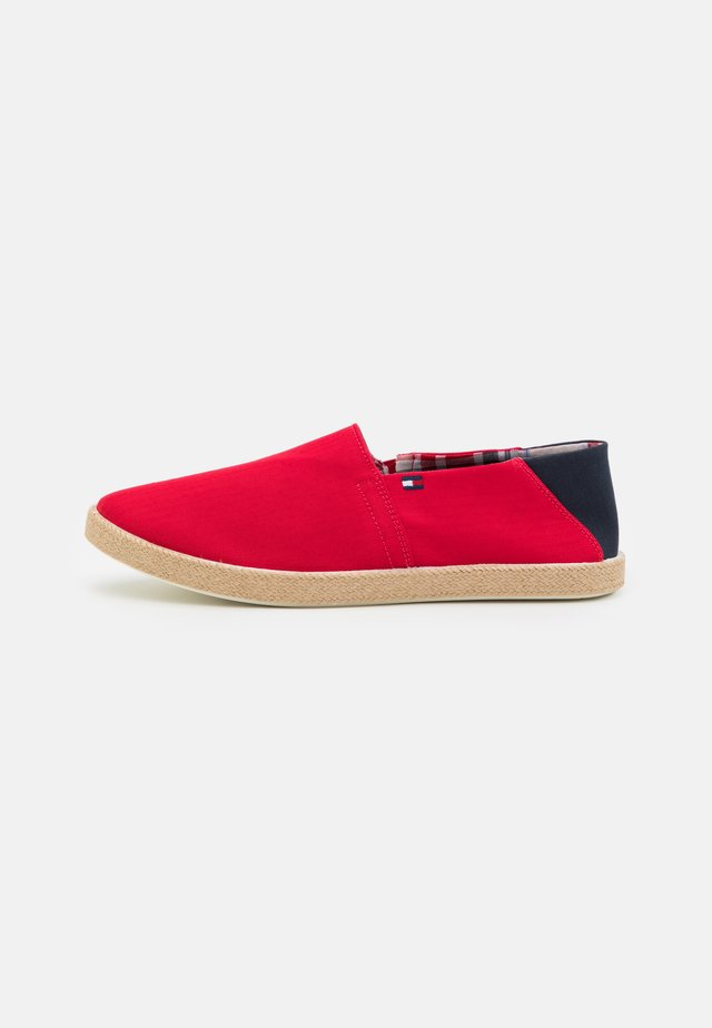 EASY SUMMER SLIP ON - Espadrilky - primary red