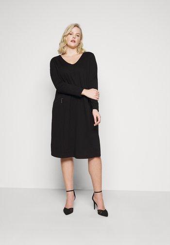 CLEAN ZIP DETAIL DRESS - Shift dress - deep black