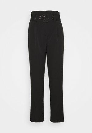 PEG LEG TROUSER - Pantalones - black