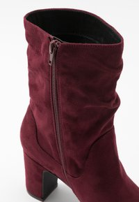Bullboxer - Classic ankle boots - wine - 2