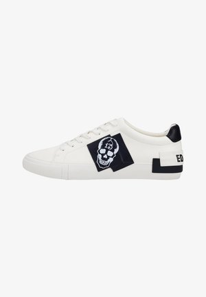 PATCH-ED LOW TOP-SKULL - Trainers - white