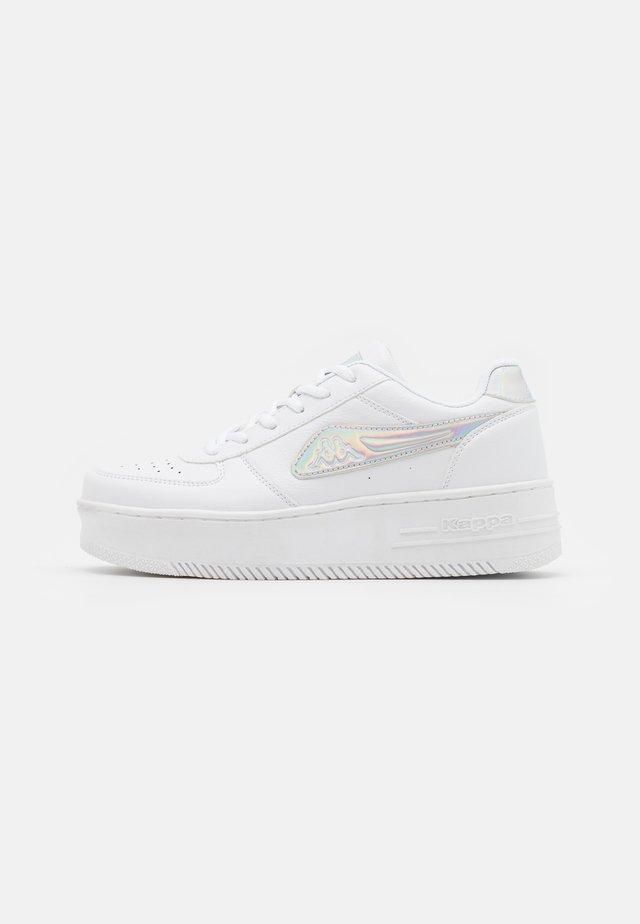 BASH  - Sportovní boty - white/multicolor