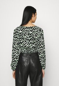 ONLY - ONLPELLA BOW - Long sleeved top - black/green milieu - 2