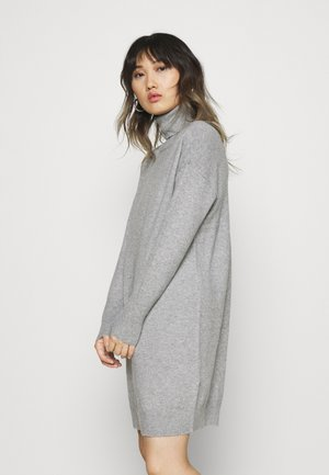 VMBRILLIANT ROLLNECK DRESS - Pletené šaty - light grey melange
