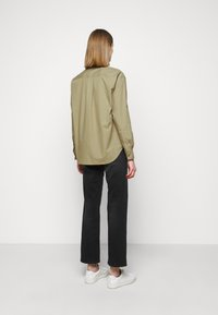 CLOSED - BLANCHE - Blouse - green umber - 2