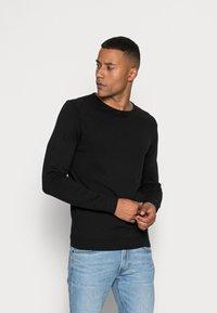 Selected Homme - SLHTOWER CREW NECK  - Stickad tröja - black - 0