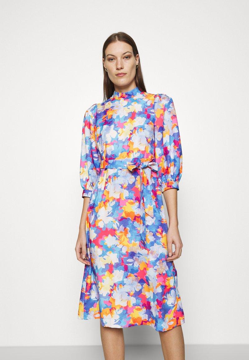 Closet - PLEATED SLEEVE A LINE DRESS - Kjole - blue