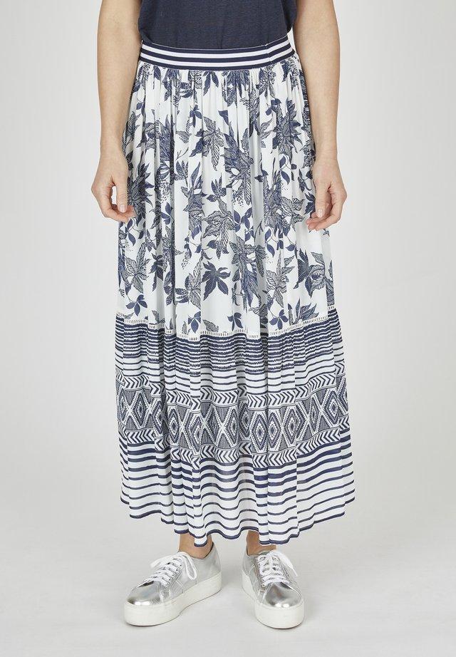 NELLY MIT ALLOVER-PRINT - Maxi skirt - blau