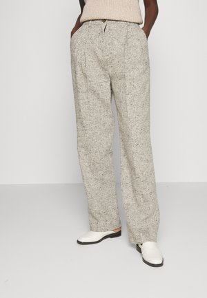 FRONT PLEAT TROUSER - Trousers - grey