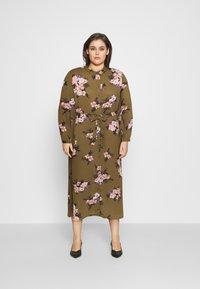 Vero Moda Curve - VMNEWALLIE  - Shirt dress - beech/newallie - 0