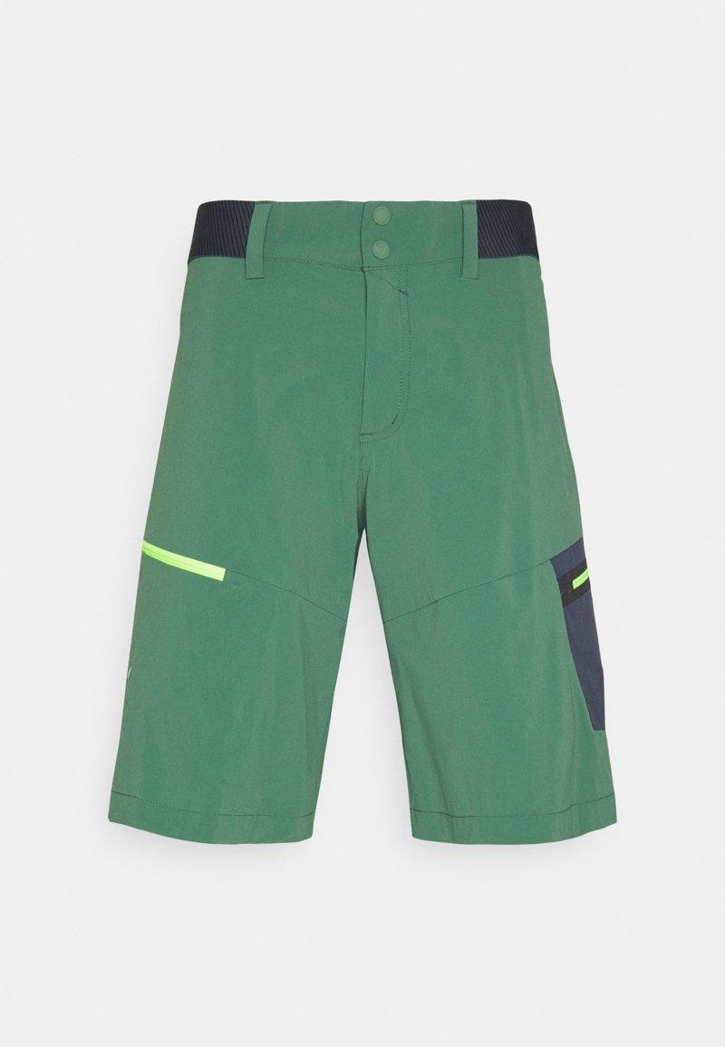 Salewa - PEDROC CARGO SHORTS - Shorts - myrtle