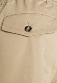 sandro - NEW GAMMA - Shorts - beige - 2