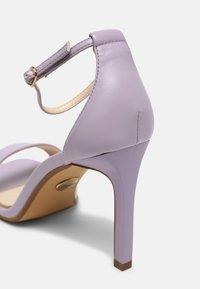 Buffalo - VEGAN ROSABELLA - Sandalen - light purple - 5