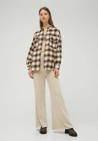 PULL&BEAR - Button-down blouse - mottled brown - 4