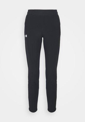 OUTRUN THE STORM PANT - Pantalones deportivos - black