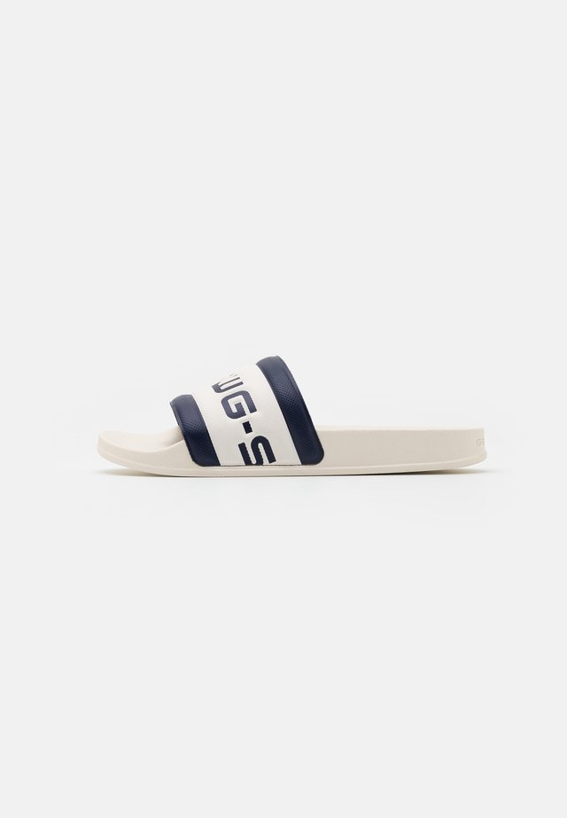 CART SLIDE III - Pantofle - milk/imperial blue