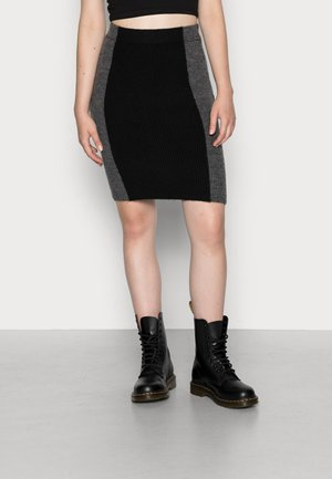 NMZELLA PENCIL  - Pouzdrová sukně - black