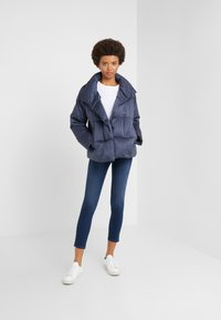 WEEKEND MaxMara - SESIA - Down jacket - blau - 1