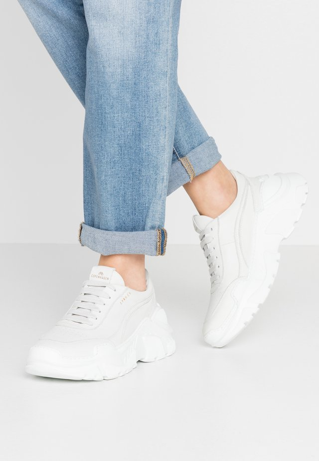 CPH800 - Trainers - offwhite
