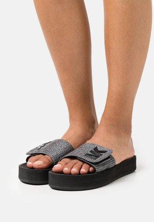 PLATFORM SLIDE - Pantofle - gunmetal
