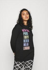 CAPSULE by Simply Be - CITIES LONLINE - Sweatshirt - black - 0
