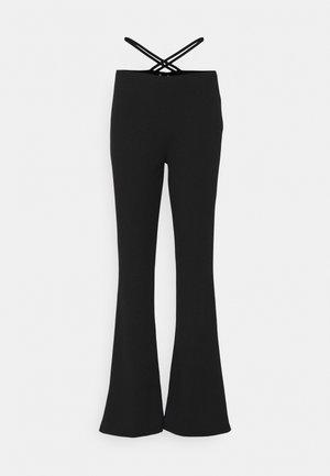 WRAP ME UP PANTS - Bukse - black